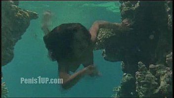 phoebe cates - paradise undressing-swimming nude.