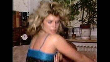 JuliaReaves-DirtyMovie - Leckgeile Luder - scene 2 - video 3 boobs anus girls ass pussy
