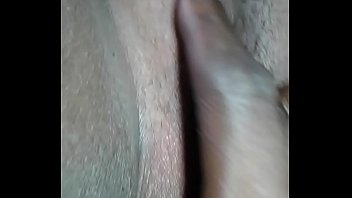 bbw afraid of getting her clit touched after getting a great head from her cousi