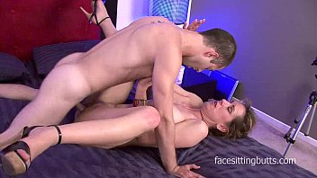 tricky cougar entices the youthfull technician and pummels.