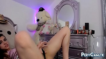 jaw-dropping camgirl taunting taut booty and supah-hot bod.