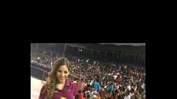 presentadora dominicana singando por su booty