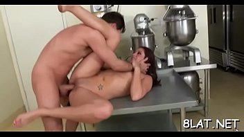 cute hottie demonstrates off immense bootie