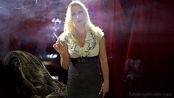 Nice smoking porn hot girls videos 2386 - Callmepanty.com