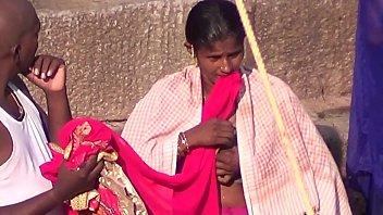 indian aunty nude bathtub in public