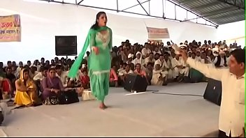 sapna choudhary very first beat dance.