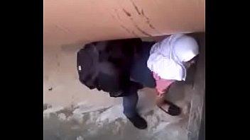 siswa smp tercyduk sedang mesum disebuah bawah pipa.