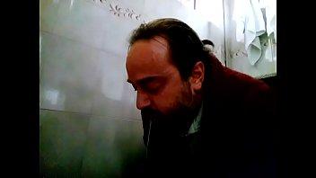 koacute_calos - barf in my restroom