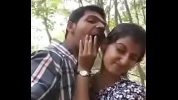 steaming smooching desi duo