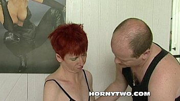 Skinny redhead horny mature pussy suck a young cock to make it fuck the cunt
