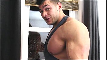 muscled window cleaner wank off
