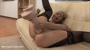 blond cougar penalizes her shitpipe with a violent.