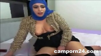hijab Arab girl webcam fuck porn on camporn24.com