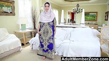 adultmemberzone - isolated arab honey gives sizzling solo.